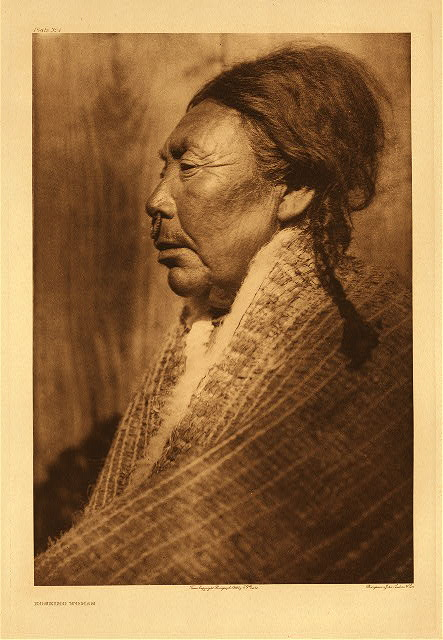 portfolio 10 plate no. 354 Koskimo woman