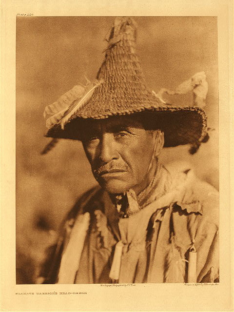 portfolio 13 plate no. 449 Klamath warrior's headdress