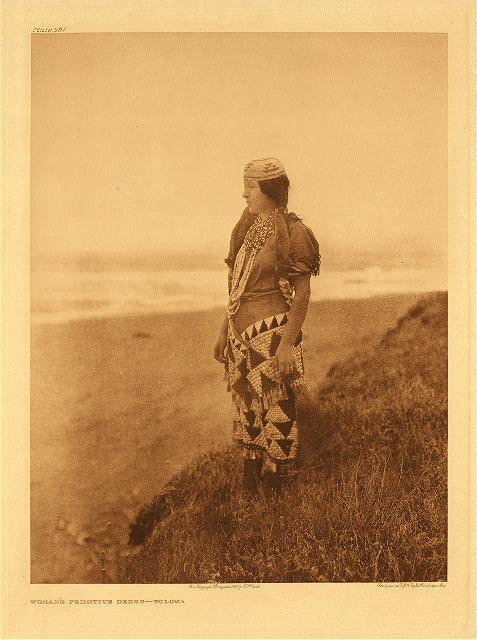 portfolio 13 plate no. 461 Woman's primitive dress – Tolowa