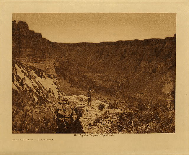 volume 4  facing: page  42 In the cañon - Apsaroke