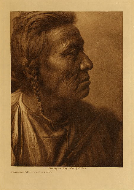 volume 4  facing: page  70 Flathead woman - Apsaroke