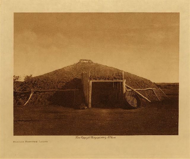 volume 5  facing: page  4 Mandan earthen lodge