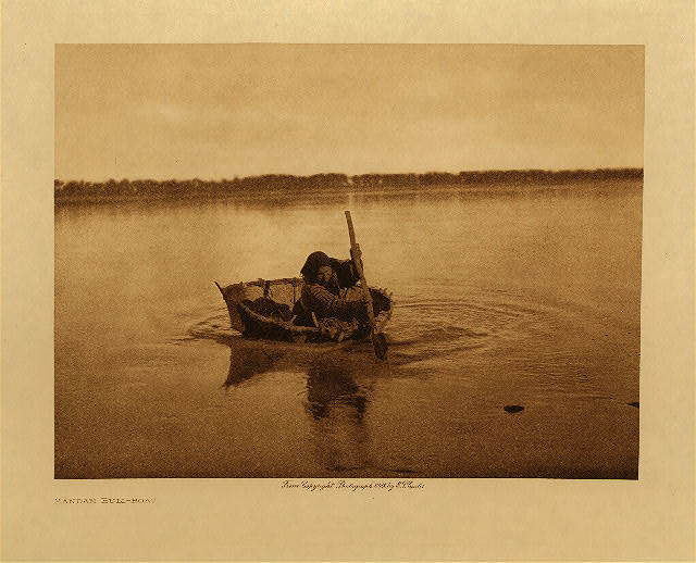 volume 5  facing: page  10 Mandan bull-boat