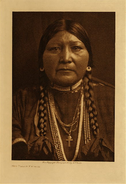 volume 8  facing: page  10 Nez Perce matron