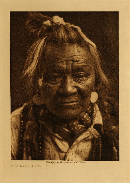 volume 8  facing: page  28 Half Moon - Nez Perce