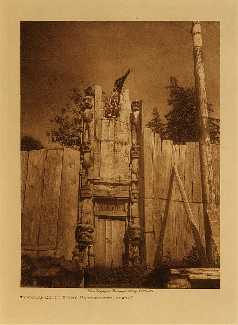 volume 10  facing: page  140 Tenaktak crest posts, Harbledown Island