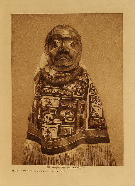 volume 10  facing: page  244 A Tluwulahu costume - Qagyuhl