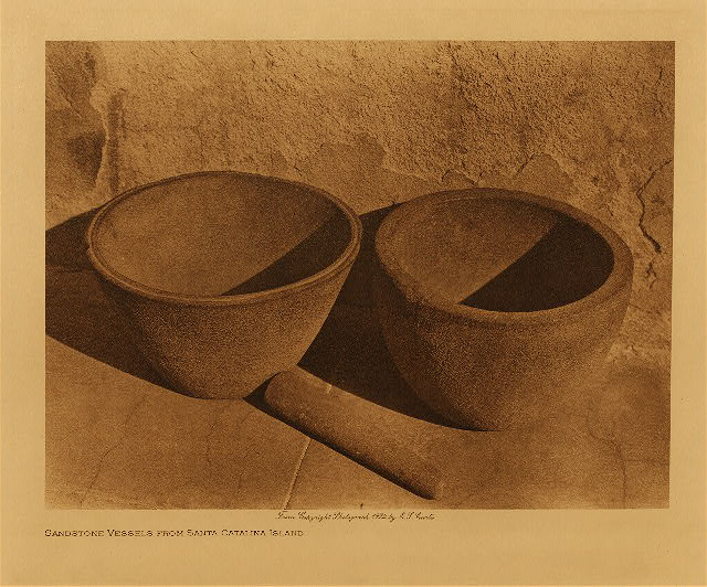 volume 15  facing: page  8 Sandstone vessels from Santa Catalina Island