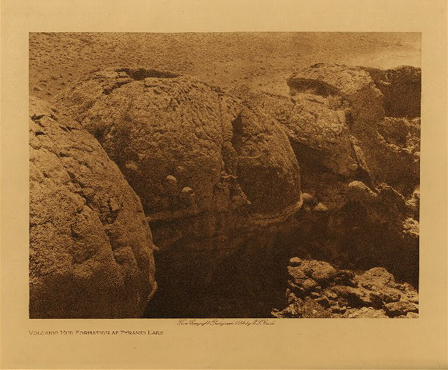 volume 15  facing: page  84 Volcanic mud formation at Pyramid Lake