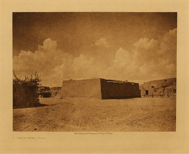 volume 17  facing: page  28 A kiva at Santa Clara