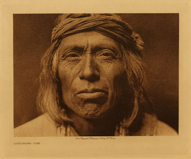volume 17  facing: page  112 Shiwawatiwa - Zuñi
