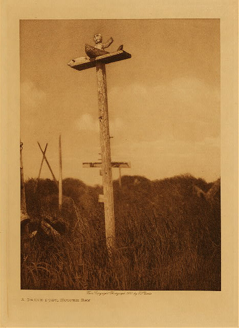 volume 20  facing: page  98 A grave-post, Hooper Bay