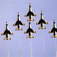 USAF Thunderbirds perform their famous Delta formation
