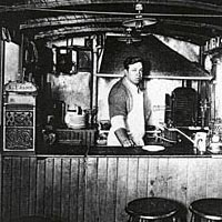 Louis' Lunch Wagon, 1907-1916
