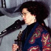 Patricia Travis Eatherly accepts NTPHF award for her father, Merle Travis, 1998
