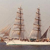 Training ship arrives in Norfolk Harbor, April 1989