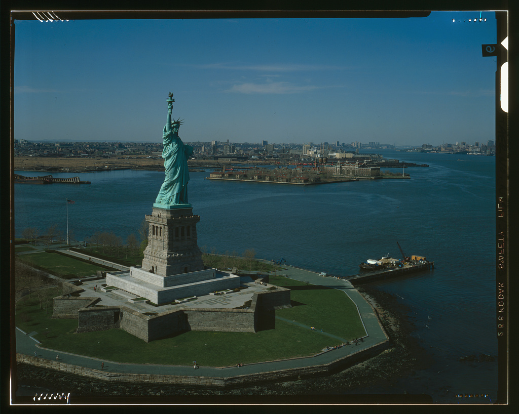 essay on the statue of liberty The statue of liberty and ellis island history has always been an important part of an individual and society's life - the statue of liberty and ellis island introduction.