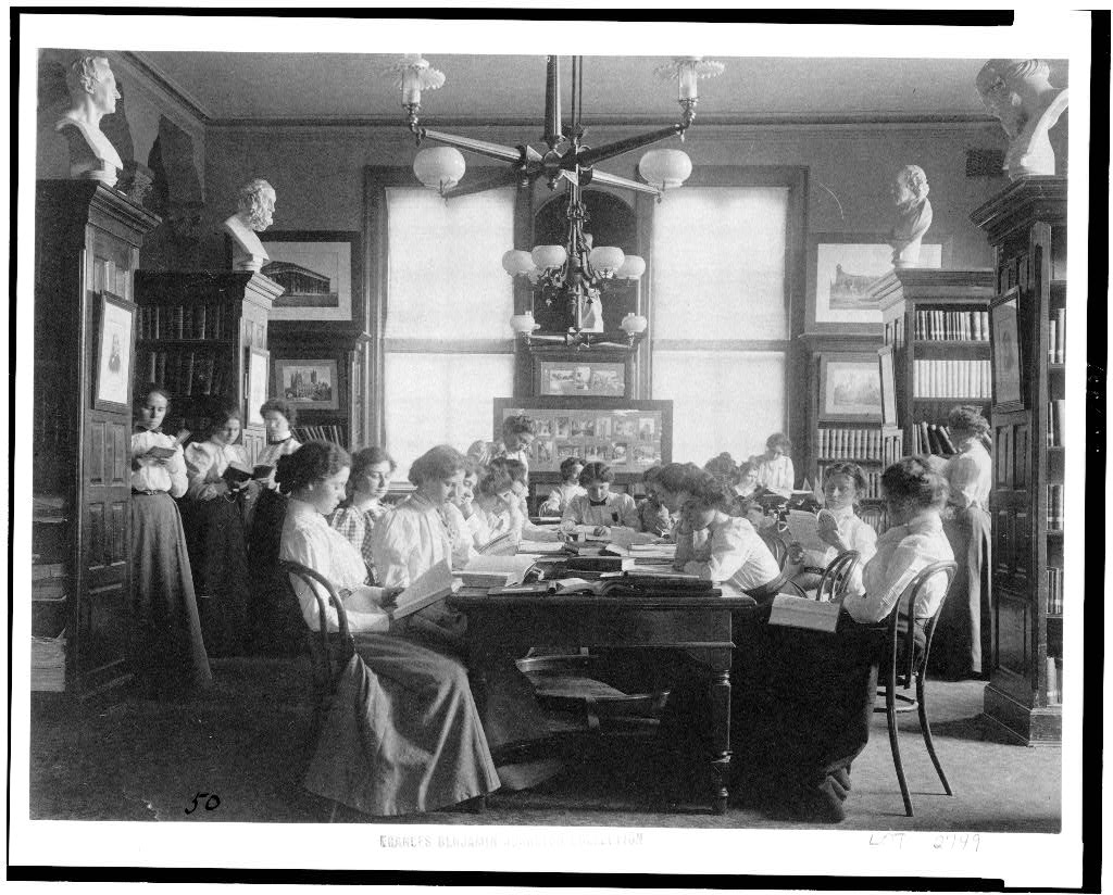 women reading in a library