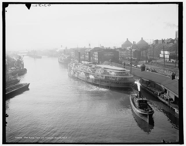 The River from the viaduct, Cleveland, 1905 - American Memory
