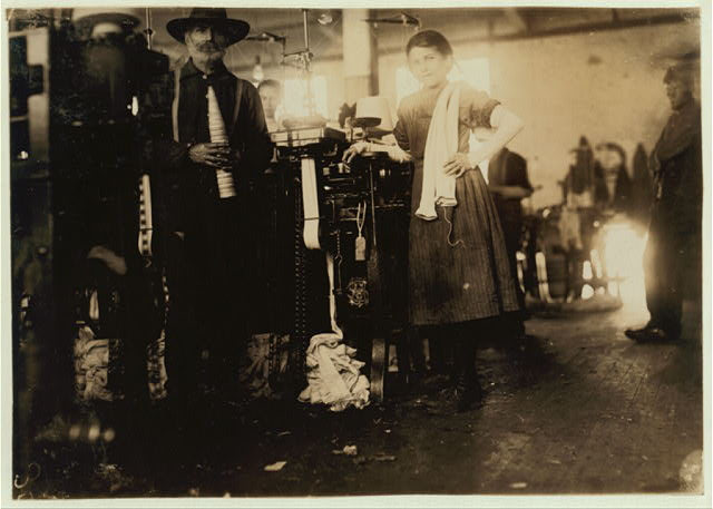 Knitter in London Hosiery Mills. Location: Loudon, Tennessee.