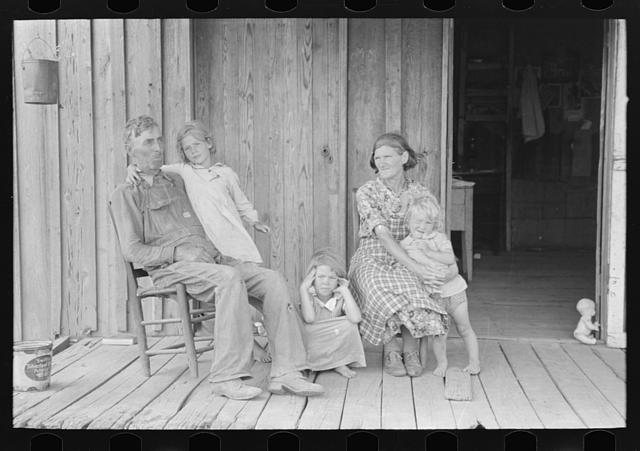 Grandparents with children, May 1938, Library of Congress.  Lee Russell, photographer.